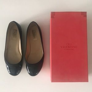Black Patent and Satin Valentino Flats 38.5